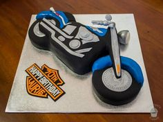 Harley Davidson motorbike cake Motorbike Cake, Harley Davidson Cake, Cute Wallpapers, Motorbikes, Birthday Candles, Biscuits, Kitchens, Projects To Try, Cakes
