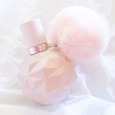 Ariana Grande sweet like candy perfume , it smells soooooo nice Candy Perfume, Perfume Bottles, Ari Perfume, Princess Aesthetic, Pink Aesthetic, Pink Love, Pretty In Pink, Parfum Victoria's Secret, Ariana Merch