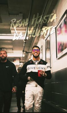 Anuel Aa Wallpaper, Cute Tumblr Wallpaper, Iphone Wallpaper, Latino Artists, Music Artists, Man Crush Everyday, Lil Pump, Daddy Yankee, Photo Wall Collage