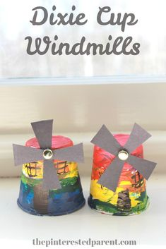*With directions* - Dixie Cup Windmills Easy Arts And Crafts, Easy Crafts For Kids, Christmas Crafts For Kids, Fun Crafts, Paper Crafts, Easy Art Projects, Projects For Kids, Christmas In Holland, Recycling For Kids