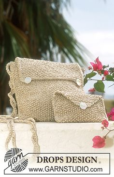DROPS 69-25 Seed Stitch Purses - Free Knitted Pattern - (garnstudio)