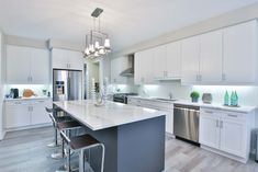 Smart House - Decorating In High Tech Digital Ways - pimphousing.com Kitchen Must Haves, Diy Kitchen, Kitchen Decor, Kitchen Interior, Awesome Kitchen, Design Kitchen, Beautiful Kitchens, Cool Kitchens, Closed Kitchen