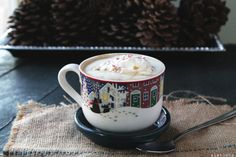 Peppermint White Chocolate Mocha Latte: (A shot of espresso mixed with steamed, frothy milk, melted white chocolate, and peppermint candy.)  l  Diethoot.com