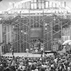 The Greatful Dead wall of sound Stage Equipment, Best Home Theater System, Dead Pictures, Wall Of Sound, The Hollywood Bowl, Audio Room, Audio Sound, Guitar Building, Good Ole