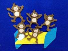 5 little felt monkeys jumping on a felt bed! Super Simple Learning Blog #educational #resources for #children