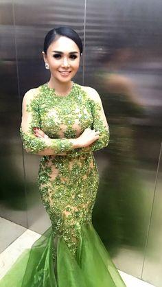 Margalena couture for #yunishara green dress