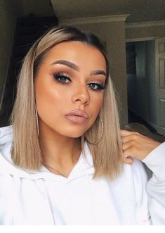 Pin by samantha childress on short hair ♀ beauty makeup, mak Long Bob Haircuts, Long Bob Hairstyles, Beauty Makeup, Hair Makeup, Hair Beauty, Makeup Inspo, Makeup Art, Hair Inspo, Hair Inspiration