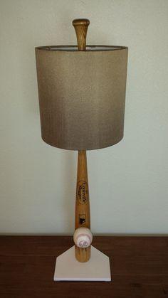 BASEBALL BAT LAMP New York Yankees Derek Jeter Logo Bat Sports Lamp Man Cave Boys Decor Office Bar