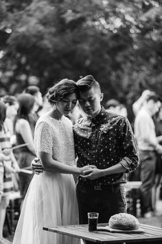 Beautiful emotional ceremony moment | Image by Jess Hunter