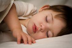 Poezie despre patuturi copii si bebelusi ;) http://blog.patuturidecopii.ro/versuri-mici-pentru-pitici/