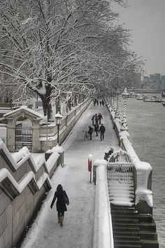 Snow on the South Bank, London