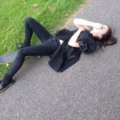 Me when I fall of my skateboard everyday