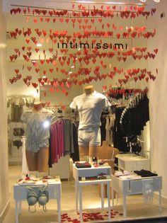 Valentine's Day windows - Clothing & Underwear - Ispira.Blog