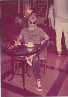 Richey Edwards                                                       … Teddy Edwards, Richey Edwards, Cool Bands, My Music, Culture, Street, People, Soundtrack, Musicians