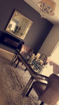 home decor living room First Apartment Decorating, Interior Decorating, Interior Design, Home Bedroom, Bedroom Decor, Bedrooms, Table Design, First Home, House Rooms