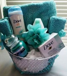 46 Trendy Baby Shower Gifts For Guests Babyshower Mom decorating fashion baskets wrapping gifts skirts soaps basket gift diy gifts Mother's Day Gift Baskets, Themed Gift Baskets, Raffle Baskets, Christmas Gift Baskets, Diy Christmas Gifts, Theme Baskets, Gift Basket Ideas, Baby Baskets, Beauty Basket Ideas