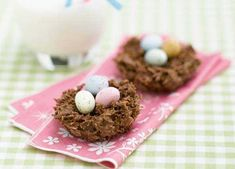 Our classic Easter chocolate nests recipe is a must! Bring back memories mixing shredded wheat or cornflakes with melted chocolate with this easy recipe. Chocolate Cornflake Nests, Chocolate Nests, Easter Chocolate, Cooking Chocolate, Cereal Recipes, Dessert Recipes, Easter Recipes, Desserts, Sainsburys Recipes