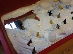 "Love this... mirror, arctic animals & a salt/snow glitter mix - photo by Ann2002Tom ("",)"