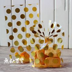 4cefcc717 15.12 20% de DESCUENTO|Venta al por mayor 60 unids/lote bolsas de plástico  transparente para galletas con tablero de papel dorado, bolsa de celofán  para ...
