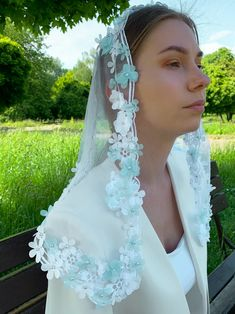 Flower Veil, Catholic Mass, Chapel Veil, Little Girl Gifts, Lace Veils, Kingdom Of Great Britain, Big Love, Silk Thread, French Lace