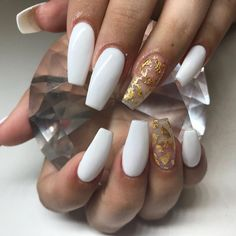 How to choose your fake nails? - My Nails Gold Acrylic Nails, White Coffin Nails, Simple Acrylic Nails, Coffin Shape Nails, Coffin Acrylics, Swag Nails, My Nails, White Nails With Gold, Cute Acrylic Nail Designs