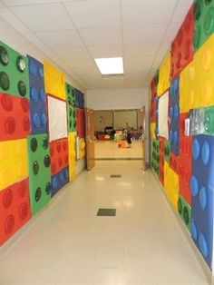 WOW @ Goochland Baptist Church in VA… Maker Fun Factory Vbs, Sunday School Rooms, Vbs Themes, Interactive Walls, Holiday Club, Kids Church, Church Games, Lego Room, Hallway Designs