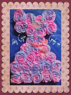 Cupcakes cake dress shape