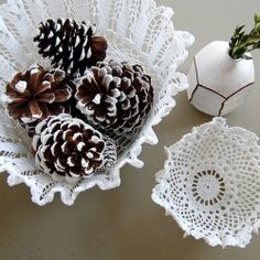 Craft Day :: Doily Bowls