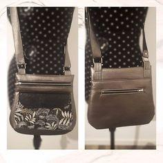 fait par L sur Instagram: Hello ✨ Petit sac fait pour ma maman, ma fan numéro un, et sûrement la plus fidèle 🙈🧵 Pour correspondre à ses demandes j'ai choisis le…