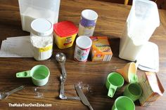 Make your own baking mixes with this simple method that let's you turn a favorite recipe for quick bread, cookies, or bars into an easy homemade baking mix Homemade Muffin Mix, Homemade Cake Mixes, Homemade Muffins, Fox Food, Cooking Tips, Cooking Recipes, Mason Jar Meals, Recipe Mix, Make Ahead Meals