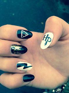 Harry Potter nail art magic