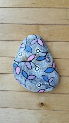 Beautiful & Unique Rock Painting Ideas , Let's Make Your Own Creativity Painted rocks have become one of the most addictive crafts for kids and adults Rock Painting Patterns, Rock Painting Ideas Easy, Rock Painting Designs, Paint Designs, Pebble Painting, Pebble Art, Stone Painting, Diy Painting, Painted Garden Rocks