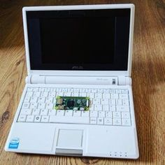 Why not put a Raspberry Pi into a 2007 netbook?
