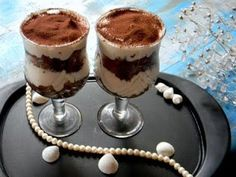 How to make Tiramisu (Eggless) Quick Easy Desserts, No Bake Desserts, Quick Easy Meals, Delicious Desserts, How To Make Tiramisu, Recipe Fo, Eggless Recipes, Bon Appetit, Food Videos