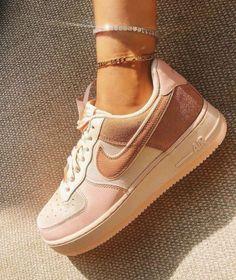 Dr Shoes, Cute Nike Shoes, Cute Sneakers, Nike Air Shoes, Hype Shoes, Me Too Shoes, Shoes Men, Shoes Sneakers, Converse Sneaker