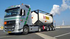 #Volvo van onze #tank vloot geladen met gevaarlijke stoffen