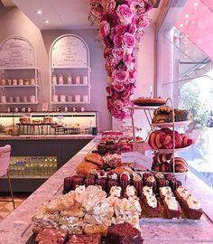 Bakery Shop Design, Coffee Shop Design, Cafe Design, Store Design, Decoration Restaurant, Pink Cafe, Cute Cafe, Restaurant Interior Design, Salon Design