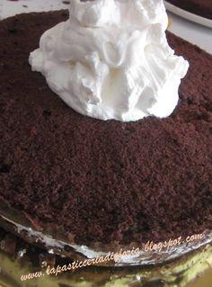 La pasticceria di Gloria: Torta Spongebob farcita con panna e Nutella