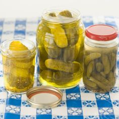 Our cucumber pickles have a classic deli dill flavor and crunch. They are ready to eat in just a few days (or a week). Quick Refrigerator Pickles, How To Make Pickles, Homemade Pickles, Cucumber Recipes, Pickling Cucumbers, Polish Recipes, Polish Food, Sauerkraut, Curry