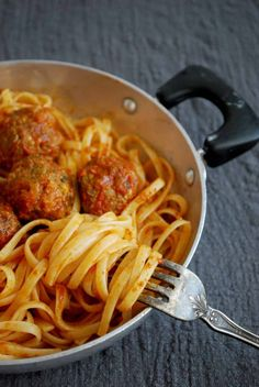 Cookbook Recipes, Cooking Recipes, Greek Recipes, Allrecipes, Spaghetti, Food And Drink, Pasta, Meat, Ethnic Recipes