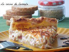 Tarta de calabacín, cebolla y bacon. http://lacocinadecarmela.blogspot.com.es/2012/03/aperitivos-y-salsa-tarta-de-calabacin.html