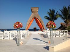 Bring a pop of color to your ceremony at the gazebo #DreamsRivieraCancun