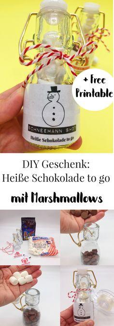 DIY Geschenke selber machen. Schnell einfach und günstig Geschenke basteln. Die heiße Schokolade mit Marshmallows eignet sich super als kleine DIY Weihnachtsgeschenke oder als Geschenk oder Mitbringsel zu jedem anderen Anlass. Auch die Mama oder die beste Freundin freuen sich sicher über die Geschenkidee.