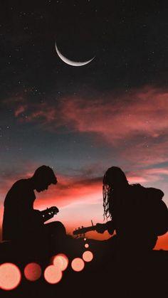 Romantic Couple Playing Guitar Sunset Half Moon - Wallpaper World Silhouette Photography, Moon Photography, Couple Photography, Photography Awards, Iphone Photography, Photography Backdrops, Wallpaper Iphone Love, Galaxy Wallpaper, Wallpaper Backgrounds