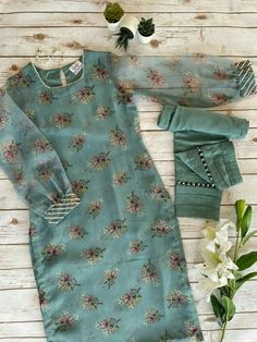 Silk Kurti Designs, Simple Kurta Designs, Kurta Designs Women, Kurti Designs Party Wear, Stylish Dress Book, Stylish Dresses For Girls, Girls Frock Design, Fancy Dress Design, Beautiful Dress Designs