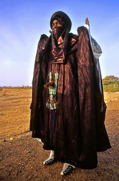 N by Sergio Pessolano Cultures Du Monde, World Cultures, Desert Clothing, Tuareg People, African Culture, Tribal Fashion, People Photography, North Africa, People Around The World