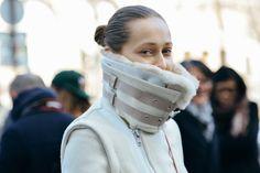 that collar is major. #DariaShapovalova in Paris.