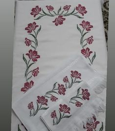 Labor, Cross Stitch Flowers, Diy And Crafts, Shabby Chic, Crochet, Creative, Cross Stitch Rose, Embroidered Towels, Cross Stitch Embroidery