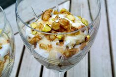 Greek Yoghurt with honey, cinnamon, pistachios and walnuts - love it Healthy Desserts, Healthy Recipes, Breakfast Recipes, Dessert Recipes, Good Food, Yummy Food, Greek Yoghurt, Snacks, Eat