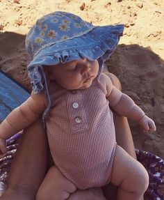 Our baby girl clothes & baby outfits are definitely lovely. So Cute Baby, Baby Kind, Cute Baby Clothes, Cute Kids, Cute Babies, Beach Babies, Cute Toddlers, Babies Clothes, Fashion Kids
